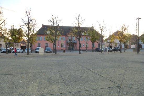 Neuf-Brisach, Francja: La résidence du gouverneur (Office de tourisme)