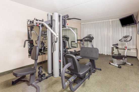Ramada by Wyndham Triangle/Quantico: Fitness Room
