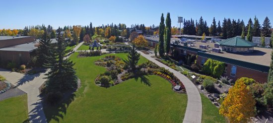 Olds, Kanada: Aerial View of Botanical Gardens