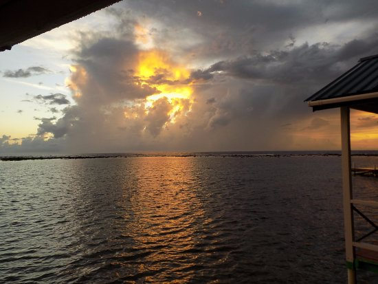 Tobacco Caye, Μπελίζ: The storm that never hit but it was fun t watch