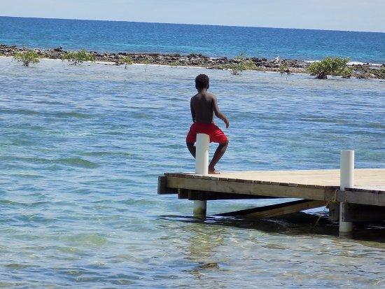 Tobacco Caye, Μπελίζ: Local youth fishing