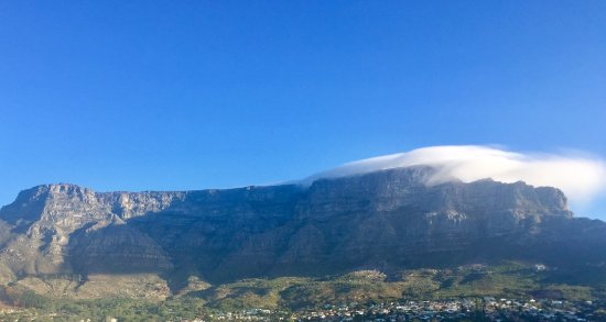 أفريكان برايد 15 أون أورانج هوتل: View from our room of Table Mountain