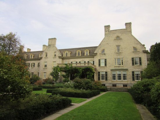 George Eastman Museum: Carriage entrance of the George Eastman Mansion