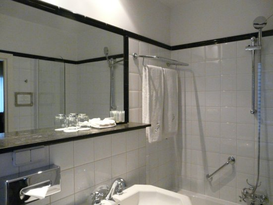 Badkamer 204 - Bild von Paleis Hotel, Den Haag - TripAdvisor