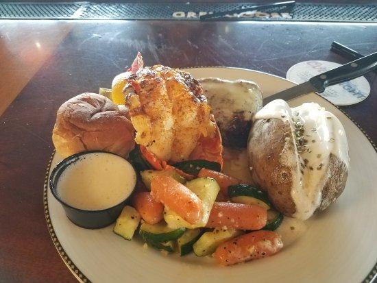 Isleton, CA: Filet mignon & lobster