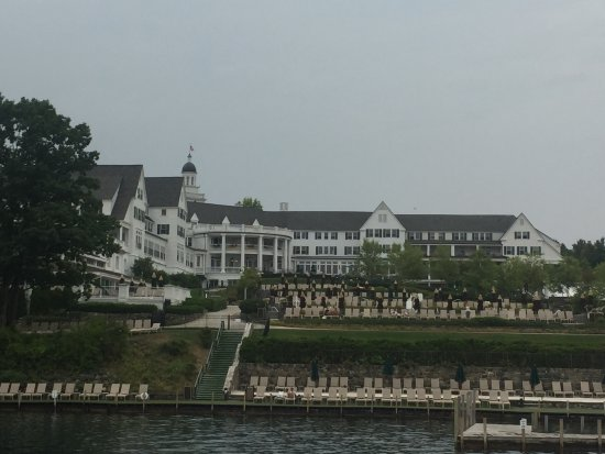 The Sagamore Resort: Hotel from the Morgan boat cruise