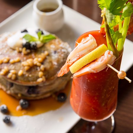 Wayne, Πενσυλβάνια: Blue Blueberry Pancakes and a Bloody Mary