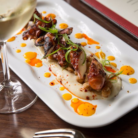 Paramour at Wayne Hotel: Grilled Spanish Octopus