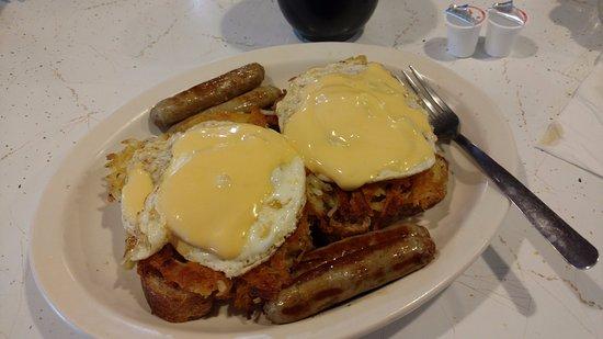 """Valders, WI: """"Mike's Mess"""" breakfast entree"""