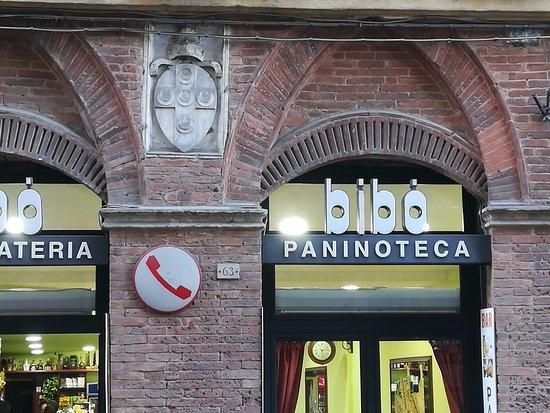 Hotel Duomo: Bar del periodo universitario senese, per i nostalgici e per il caffè :)