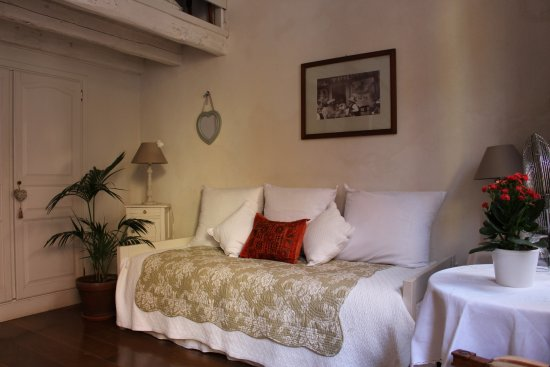 La petite maison updated 2019 prices b b reviews and - Hotels in menton with swimming pool ...
