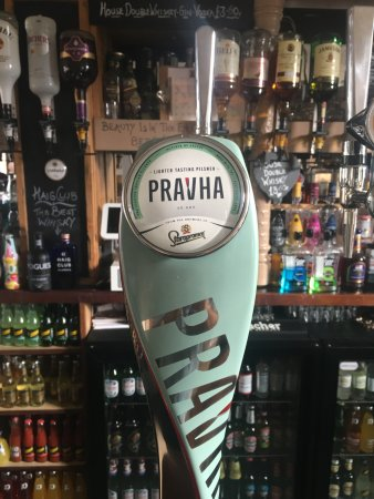 Tatsfield, UK: Premium Pilsners on Tap