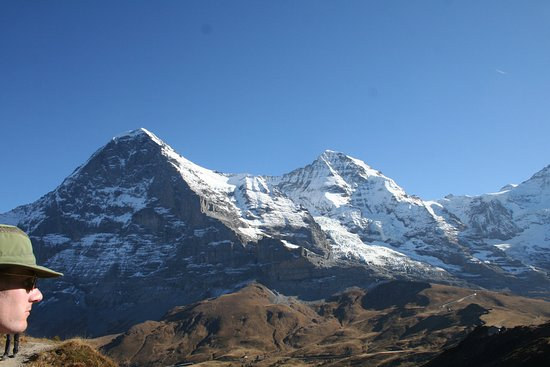 Grindelwald, Svájc: hiking the trail - Eiger. Monch and the beginning of the Jungfrau