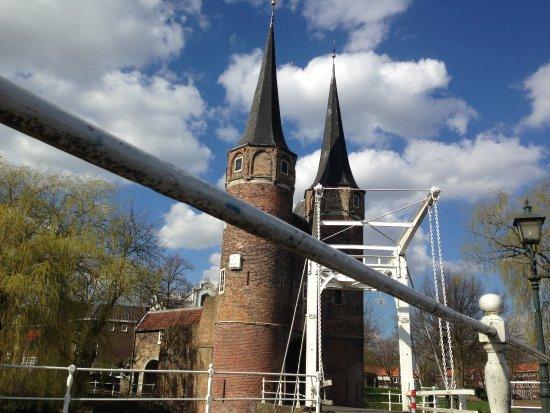 Oostpoort : View of the gate from the drawbridge
