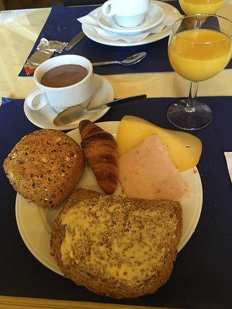 Hotel Cavalier: petit déjeuner varié et très copieux