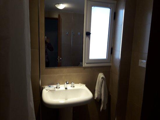 Hotel Premier: Buena limpieza