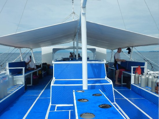 Philippine Fun Divers, Inc.: Dive boat