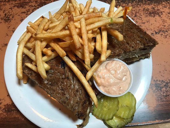 Russian River Pub: Turkey melt