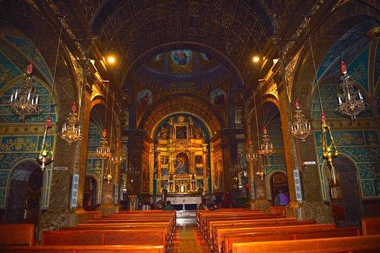 Lluc, Spanje: Interior Iglesia