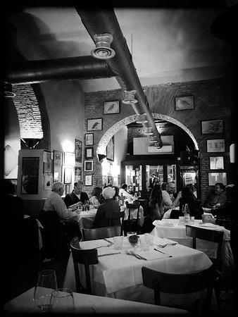 La Taverna dei Fori Imperiali: photo0.jpg