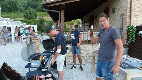 Montefiore dell'Aso, Italy: bbq masters in aktie