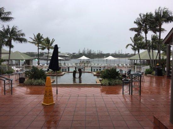 Novotel Twin Waters Resort : Pool/River view.