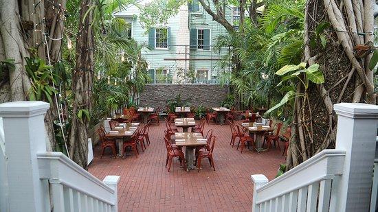 First Flight Island Restaurant And Brewery