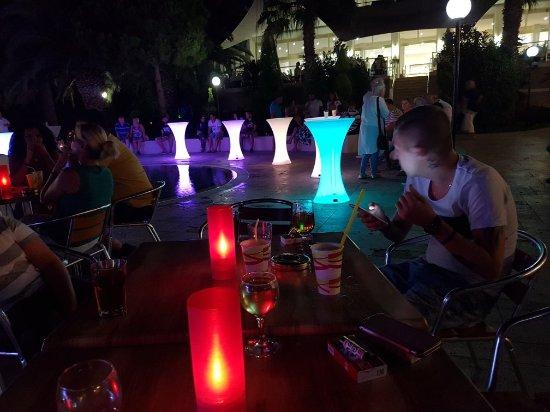 Batihan Beach Resort & Spa: 20170920_211154_large.jpg