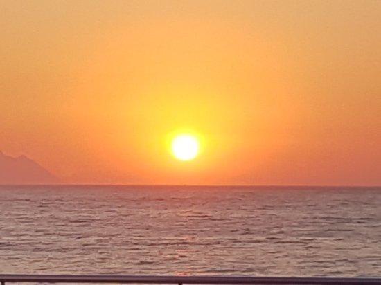 Batihan Beach Resort & Spa: 20170914_191333_large.jpg