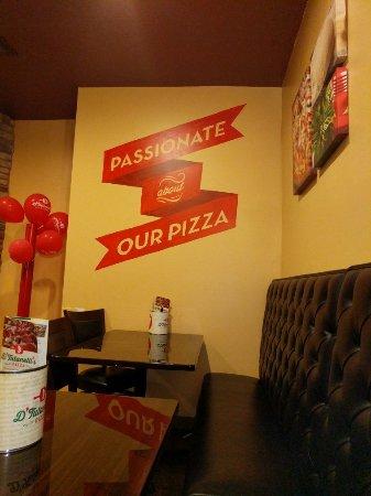 Amherst, OH: D'Tutanelli's Pizza
