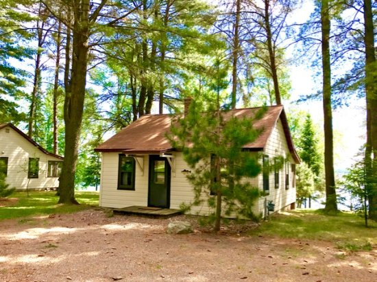 Presque Isle, WI: 6 Cabins available