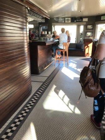 Dorn's Original Breakers Cafe: photo5.jpg