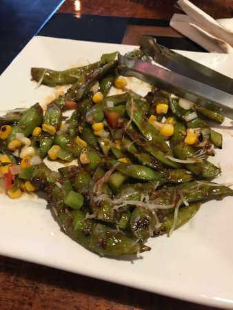 Osage, Αϊόβα: Edamame with corn, roasted jalapeño, and sweet chili soy sauce. Yum!