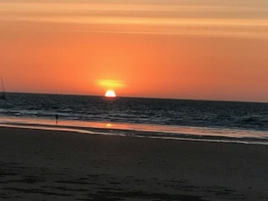 Cable Beach Club Resort & Spa: Sunset at Cable Beach