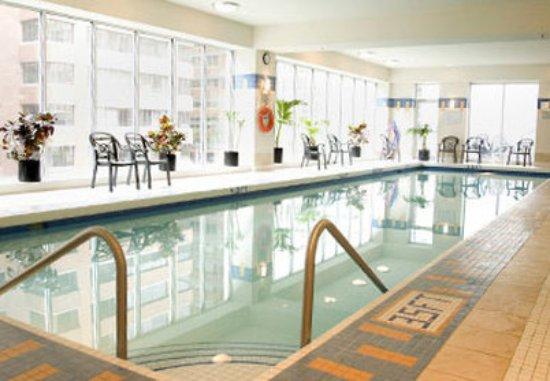 Vancouver Marriott Pinnacle Downtown Hotel: Indoor Pool