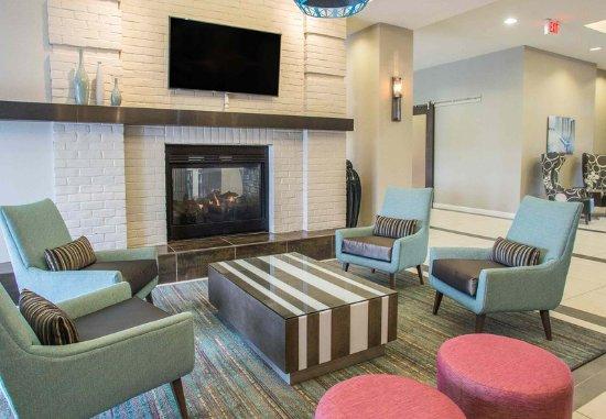 อาเบอร์ดีน, แมรี่แลนด์: Lobby Lounge