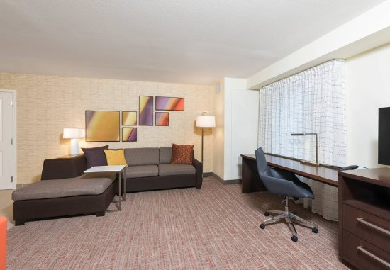 Wauwatosa, WI: One-Bedroom Suite - Living Area