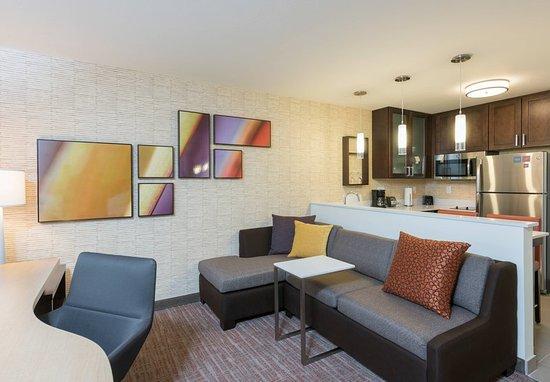 Wauwatosa, WI: Studio Suite - Living & Kitchen Area