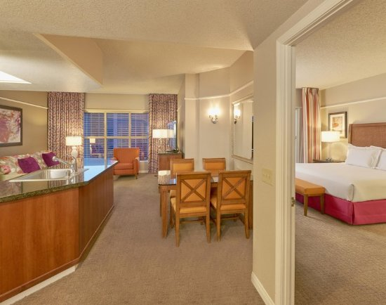 Hilton Grand Vacations at the Flamingo: Suite kitchen, living, dining and bedroom