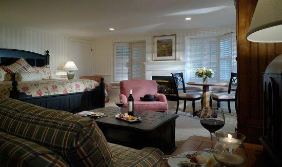 Harwich, MA: Premier Cottage King