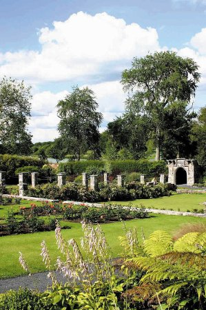 Dromoland Castle Hotel: Walled Garden