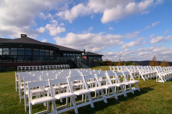 Northport, ME: Point Lookout Resort Wedding