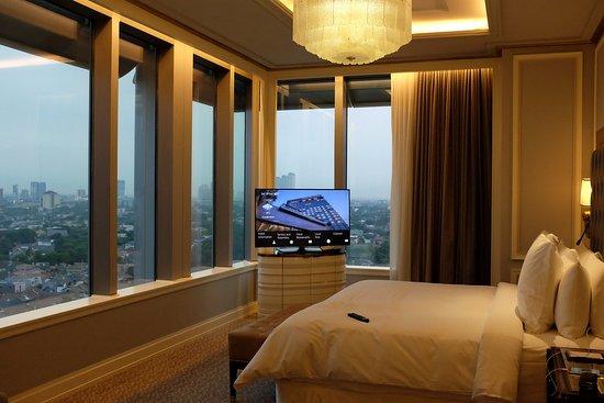 Four Seasons Hotel Jakarta The Premier Suite Bedroom
