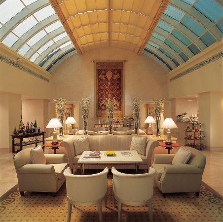 The Leela Palace Bengaluru: Royal Club Restaurant