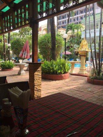 The Expat Hotel: photo0.jpg