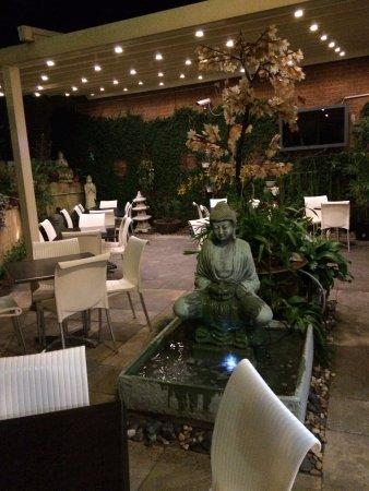 Woy Woy, Australia: courtyard