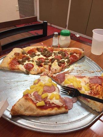 One Guy Pizza: photo0.jpg