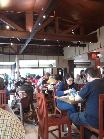 The Aristocrat : busy in the restaurant, a lot of customers