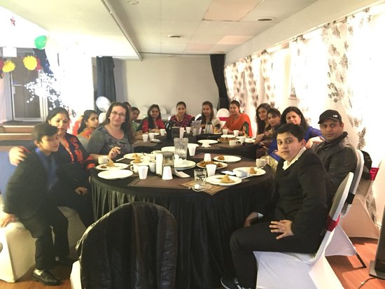 Prince George, Canadá: Tandoori Nation staff party