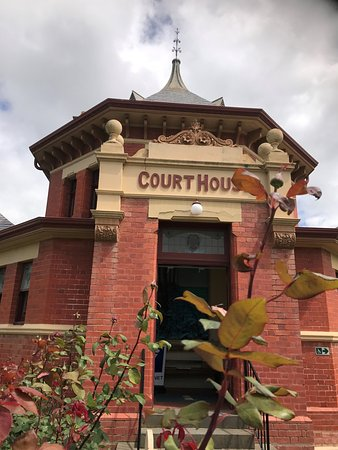‪Yarram Courthouse Gallery‬